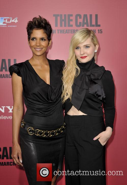 Halle Berry and Abigail Breslin 8