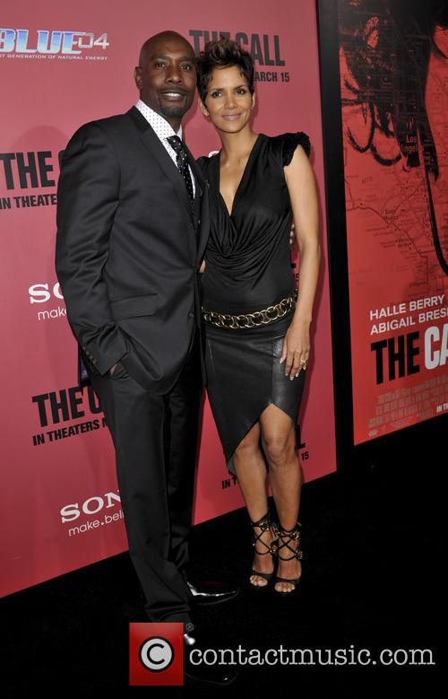 Morris Chestnut and Halle Berry 11