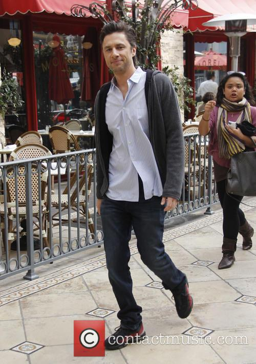 Celebrities at The Grove to appear on entertainment news show 'Extra'