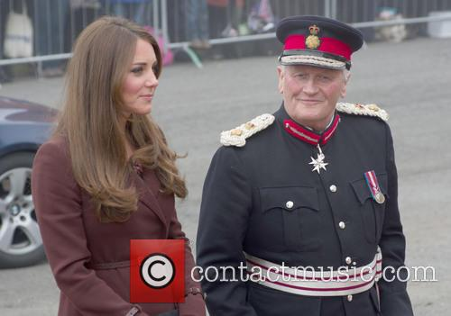 Kate Middleton, Catherine, duchess of Cambridge, royal, princess, pregnant, burgundy, coat, visit, clutch bag and military officer 12