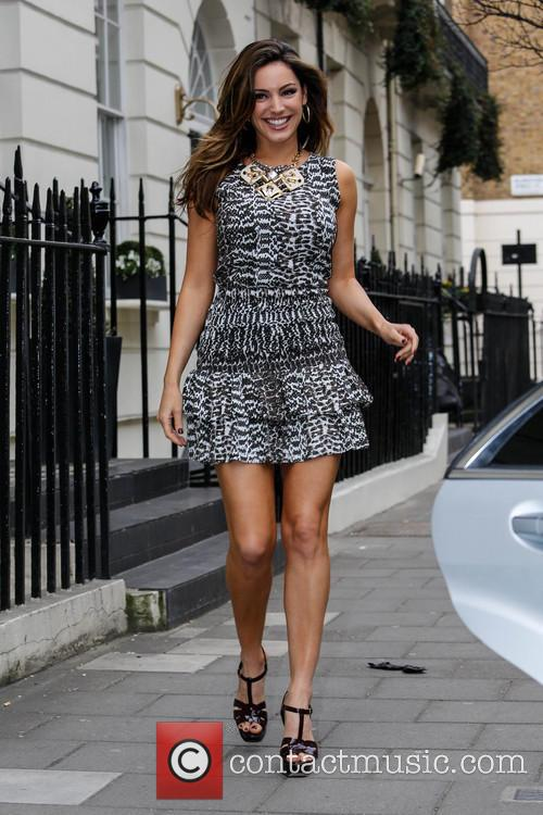 kelly brook kelly brook leaving her house 3542327