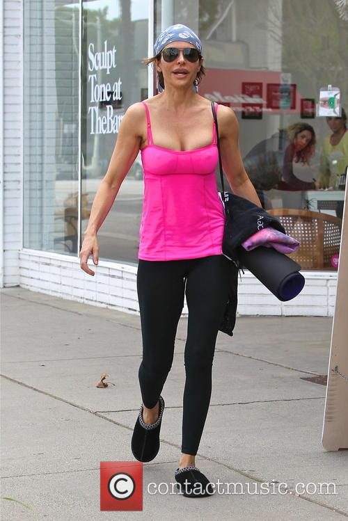 Lisa Rinna is seen leaving her yoga class...
