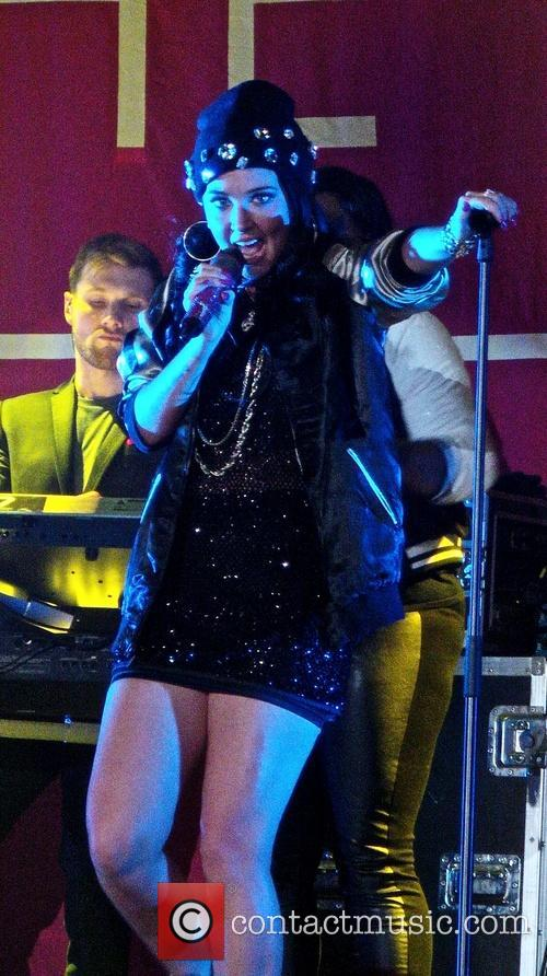 tulisa contostavlos tulisa performing live in concert 3542297