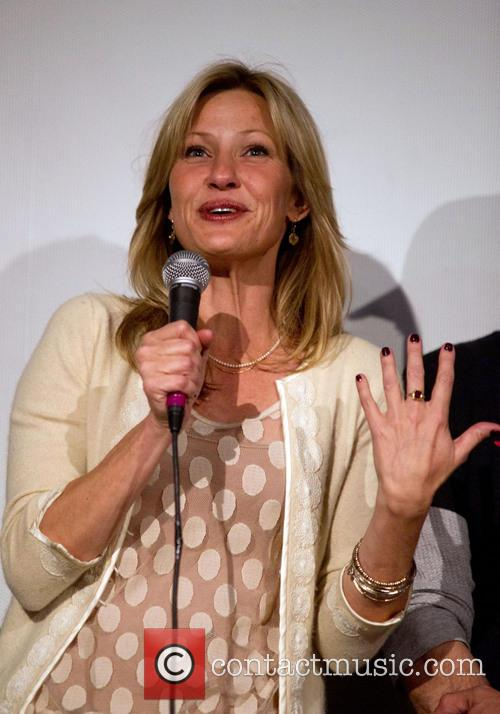 Joey Lauren Adams 2