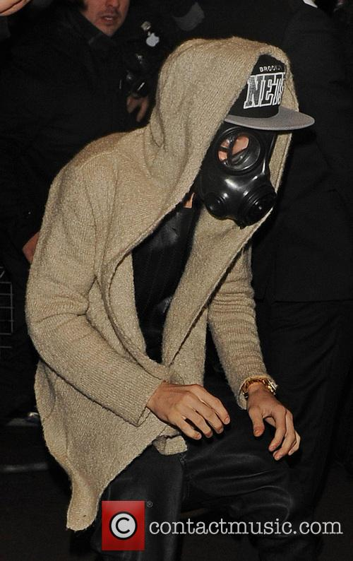 Justin Bieber wears gas mask