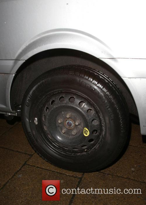 Katie Price and Replacement Tyre On Van 4