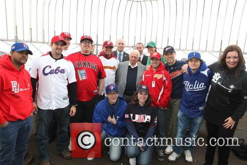 Tommy Lasorda, Bill Ripken, Tim Brosnan, Greg Bouris and Mlb Fans 11