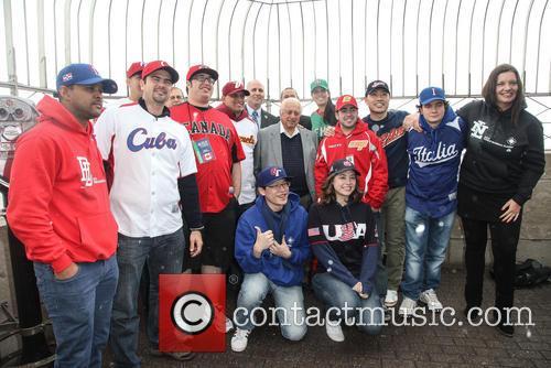 Tommy Lasorda, Bill Ripken, Tim Brosnan, Greg Bouris and MLB fans 1