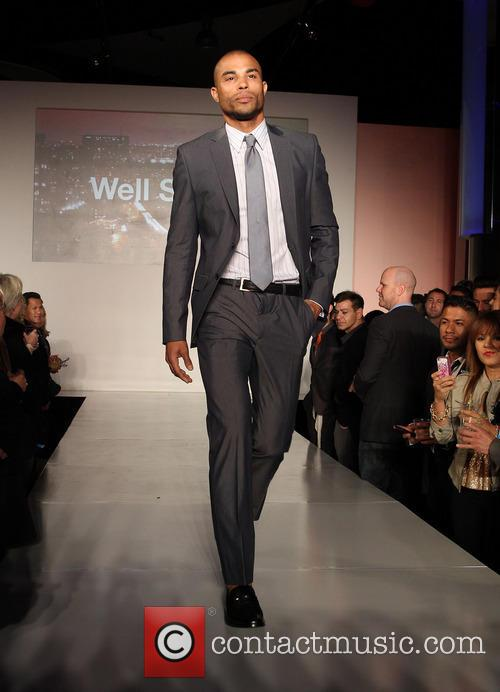 model out celebrates la fashion week 3544934