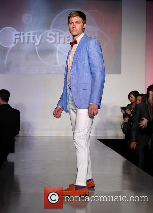 model out celebrates la fashion week 3544960