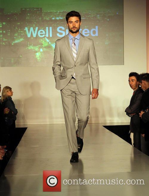 model out celebrates la fashion week 3544970