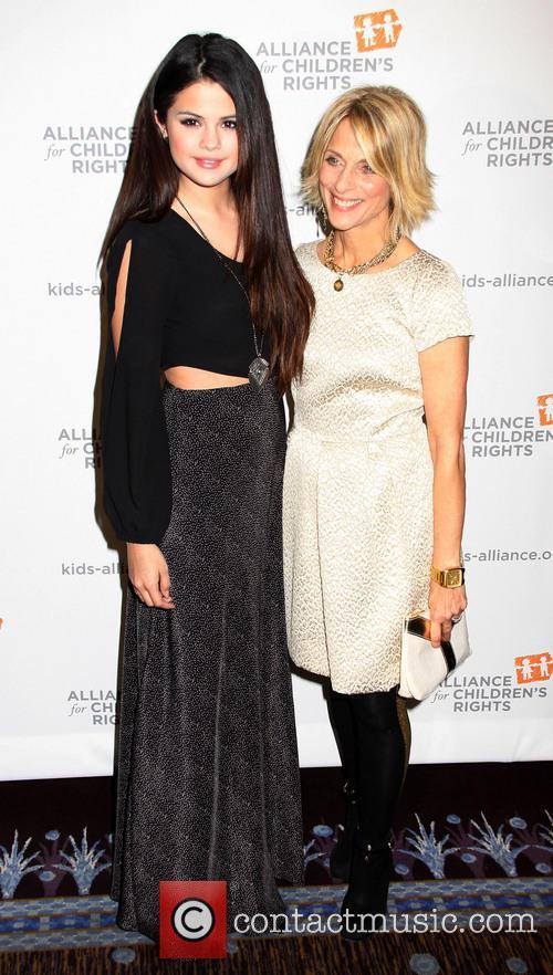 Selena Gomez and Janis Spire 2