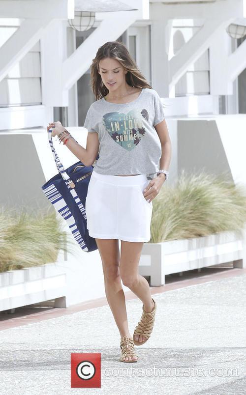 Alessandra Ambrosio 17