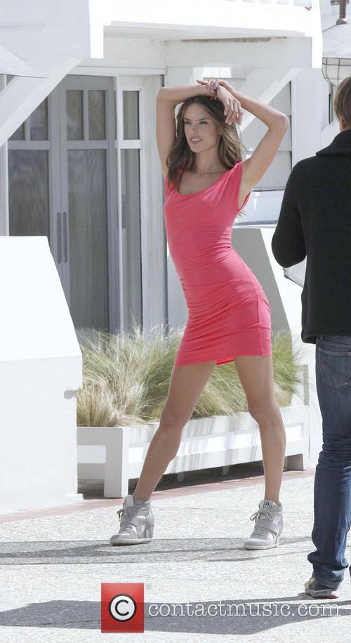 Alessandra Ambrosio 26