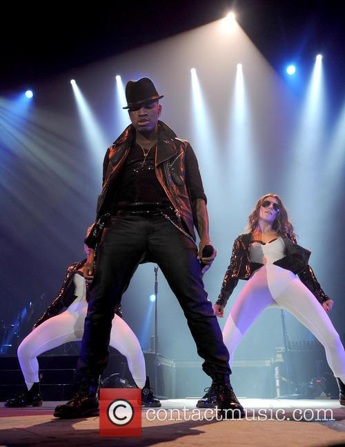 ne yo aka shaffer chimere smith ne yo performs 3546753