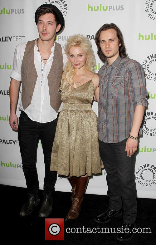 Sam Palladio, Clare Bowen and Jonathan Jackson 5