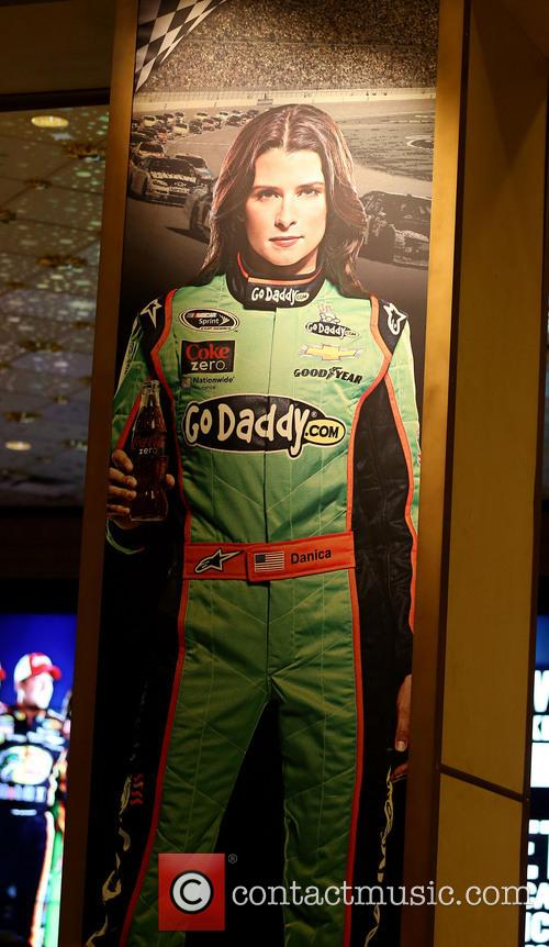 Tony Stewart and Danica Patrick Appear In The...