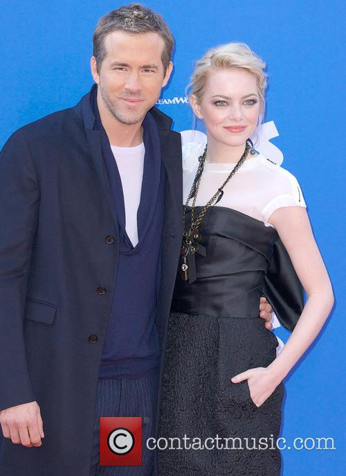 Ryan Reynolds and Emma Stone 8