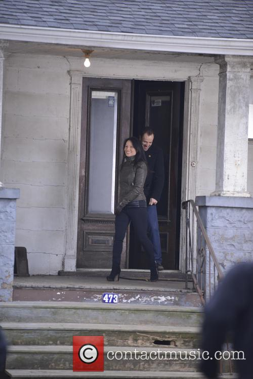 Lucy Liu and Jonny Lee Miller 9