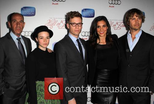 Miguel Ferrer, Renee Felice Smith, Barrett Foa, Daniela Ruah and Eric Christian Olsen 3