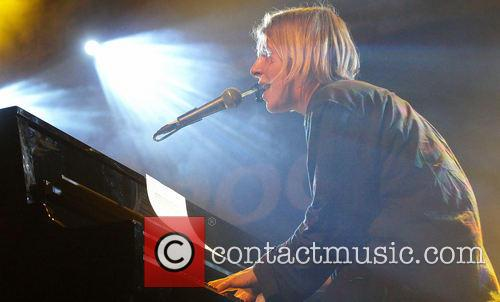 Tom Odell performs live