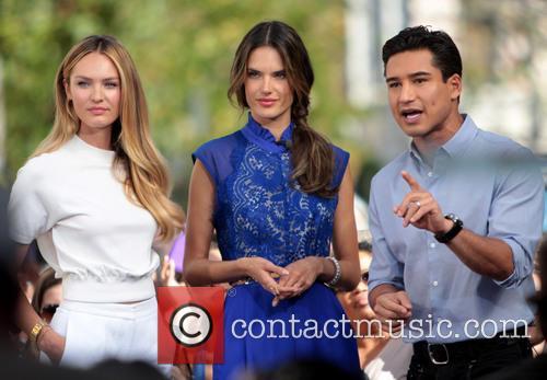 Candice Swanepoel, Alessandra Ambrosio and Mario Lopez 2