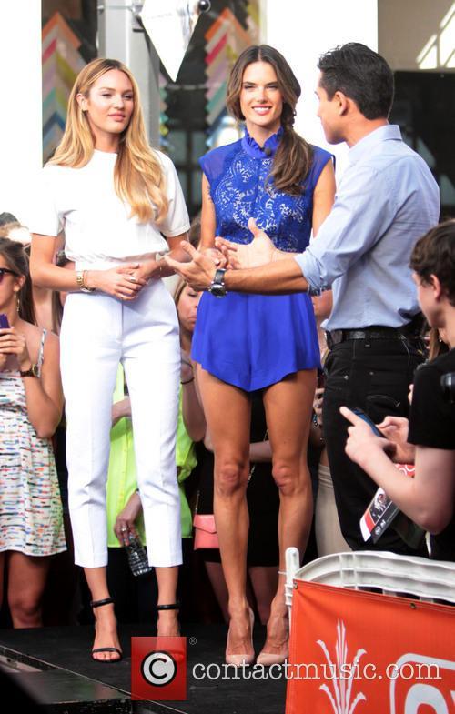 Candice Swanepoel, Alessandra Ambrosio and Mario Lopez 10