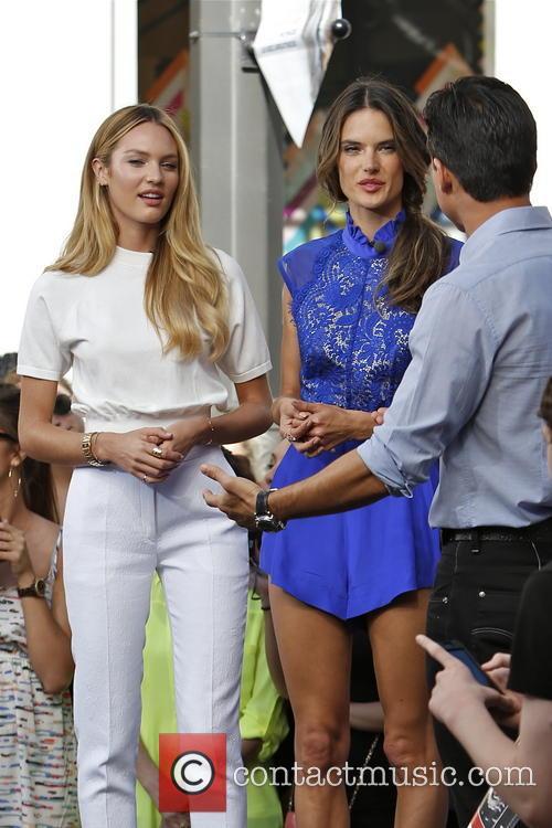 Candice Swanepoel, Alessandra Ambrosio and Mario Lopez 11