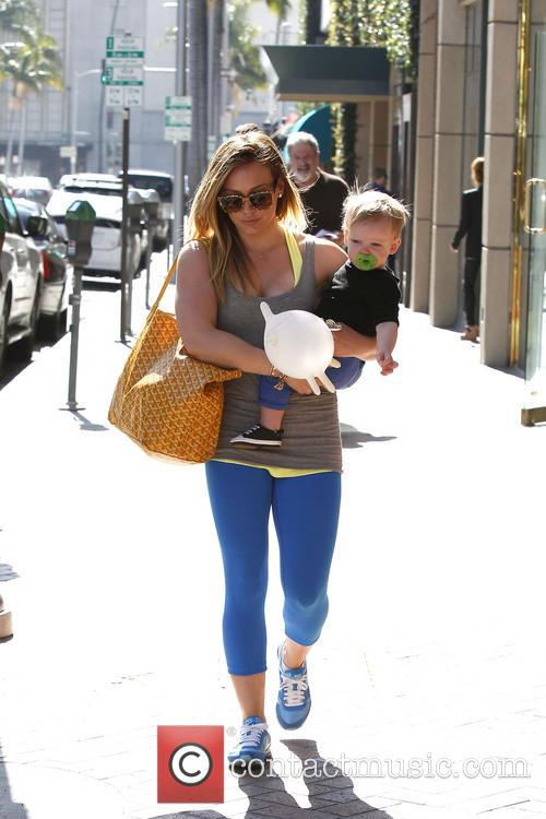 hilary duff hilary duff and son luca 3551417