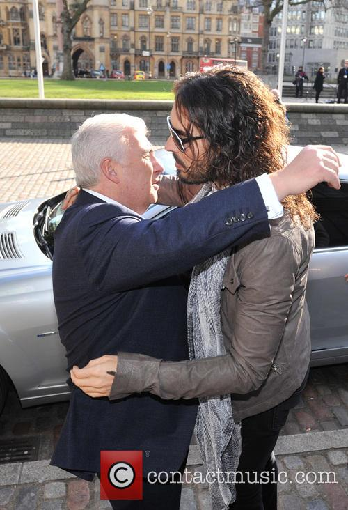 Mitch Winehouse and Russell Brand 5