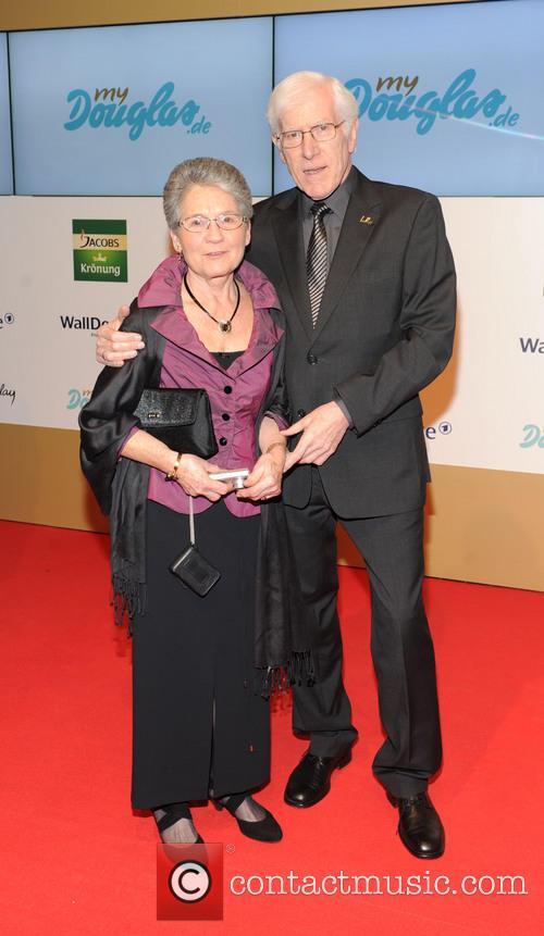 Goldene Bild Der Frau and Award 3