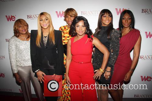 Toni Braxton, Evelyn Braxton, Towanda Braxton, Traci Braxton, Tamar Braxton and Trina Braxton 6