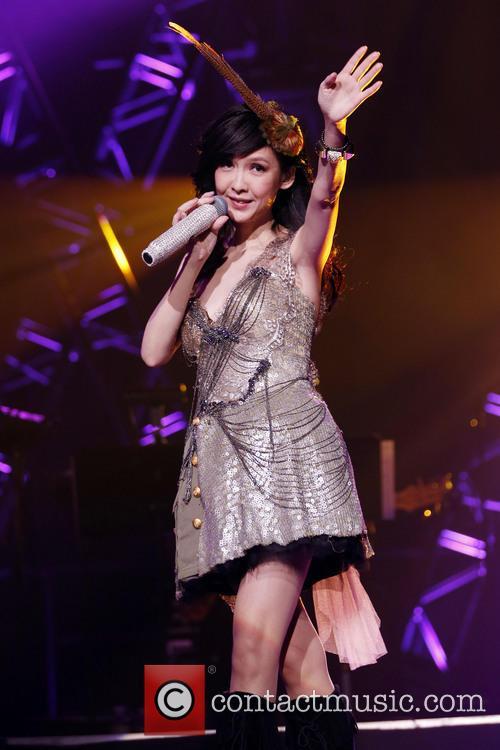 Vivian Chow 3