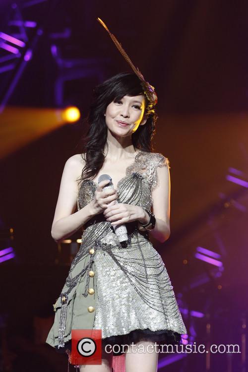 Vivian Chow 5