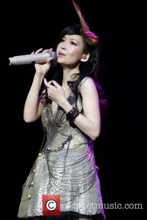Vivian Chow 7