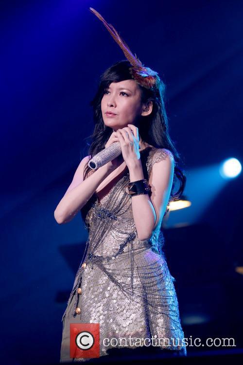 Vivian Chow 8
