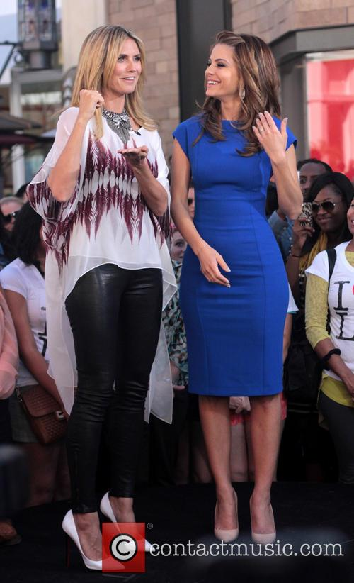 Heidi Klum and Maria Menounos 14