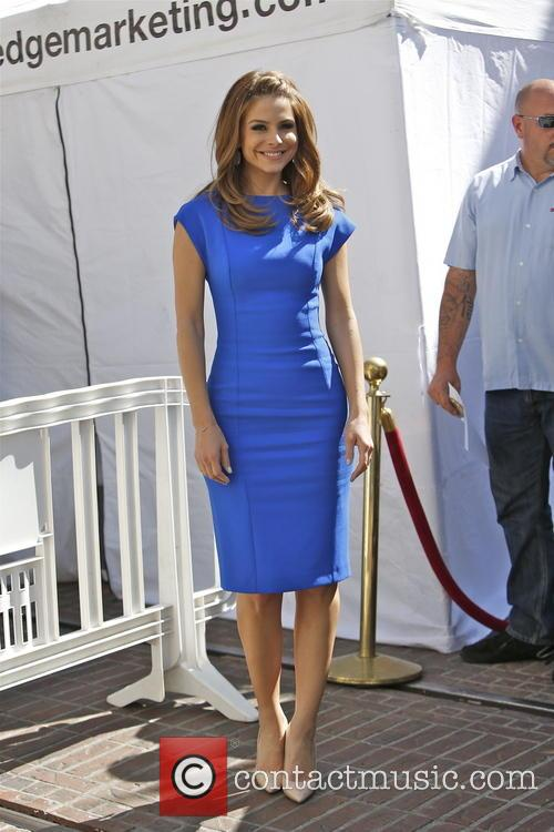 maria menounos celebrities at the grove to 3555631