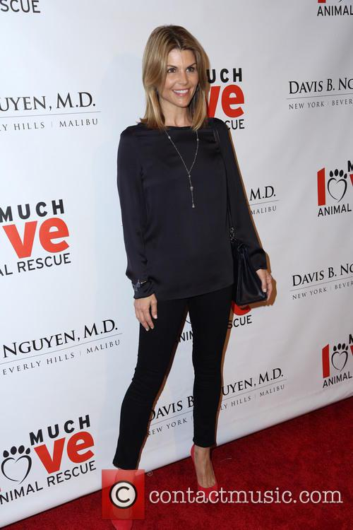 lori loughlin makeovers for mutts fundraiser 3556978