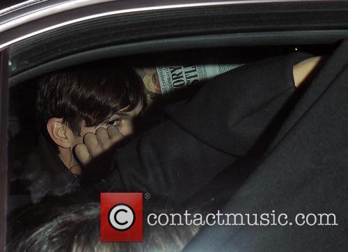 Ashton Kutcher and Mila Kunis 5