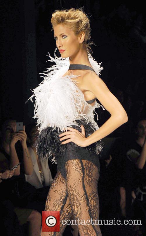 Turkish Top Model - Cagla Sikel 3