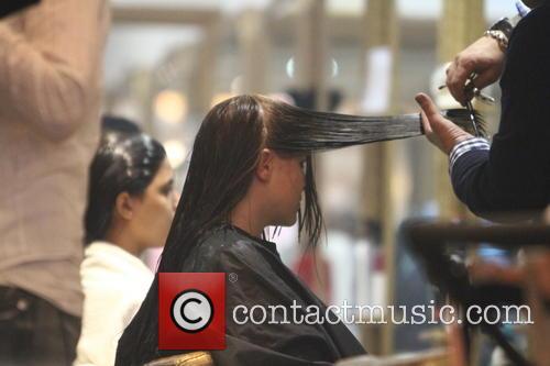 imogen thomas imogen thomas at the hairdresser 3557114