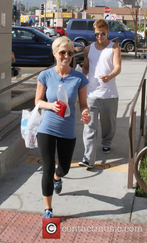 Kellie Pickler and Derek Hough 1