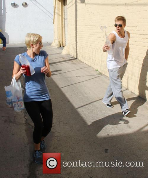 Kellie Pickler and Derek Hough 4