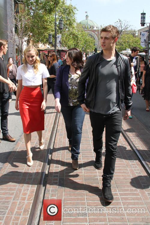 Diane Kruger, Max Irons and Stephenie Meyer 4