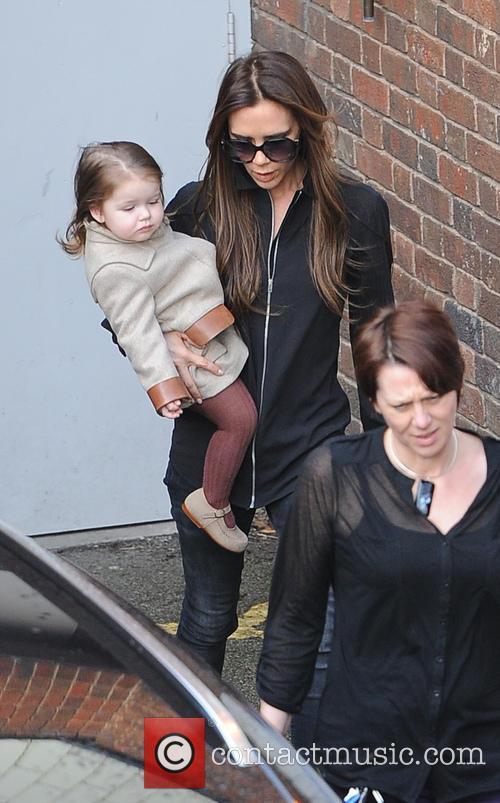 Victoria Bechkam and Harper Beckham 6