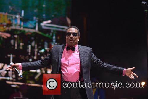 charlie wilson charlie wilson performs at the 3560116