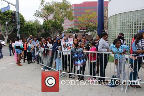 Mindless Behavior and Fans - Atmosphere 3