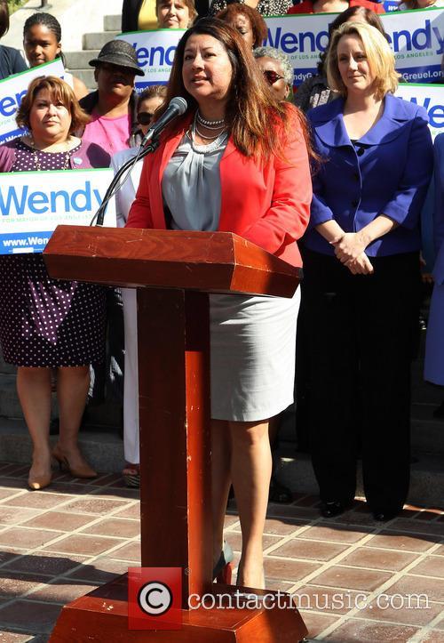 Emily's List backs Wendy Greuel