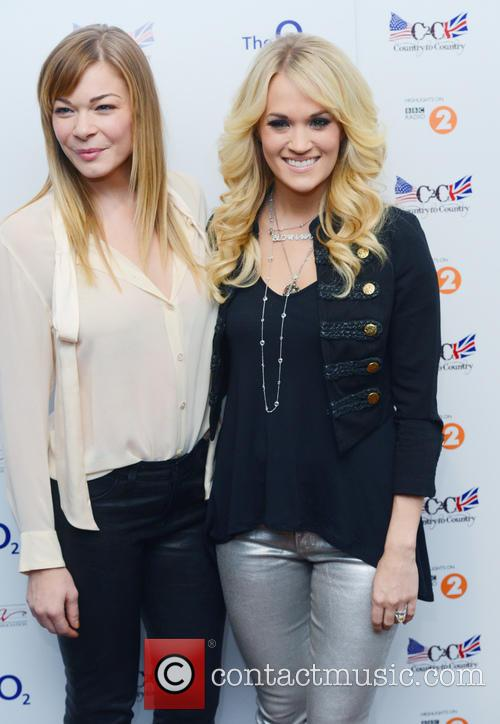 Leann Rimes and Carrie Underwood 1
